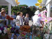 """28 сентября учащиеся и педагоги школы  приняли участие в благотворительной акции """"Белый цветок"""""""