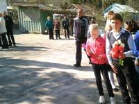 14 апреля среди обучающихся школы прошло возложение цветов к памятнику погибшим воином.