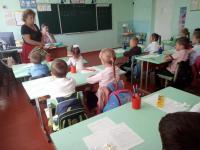 """В сентябре учащиеся и педагоги школы приняли участие в благотворительной акции """"Белый цветок"""""""